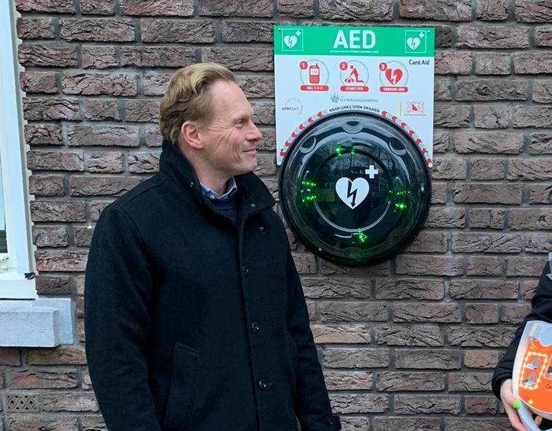 AED door Sterre